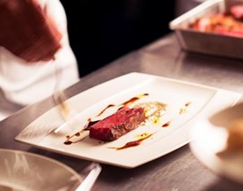 写真:コース料理